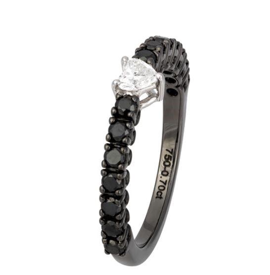 טבעת זהב 18 קראט יהלומים שחורים ולבנים