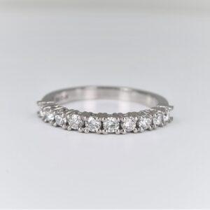 טבעת שורה יהלומים גדולים