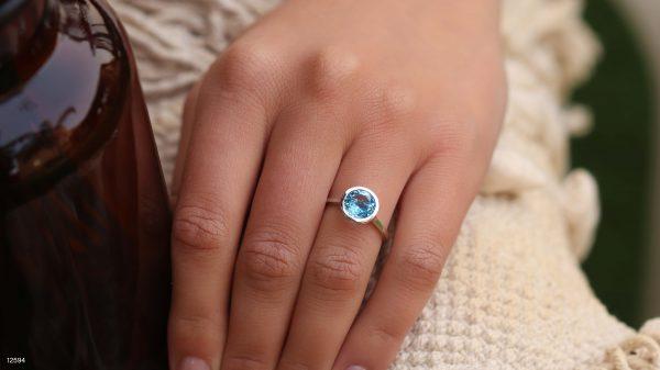 טבעת בלו טופז - המחשה