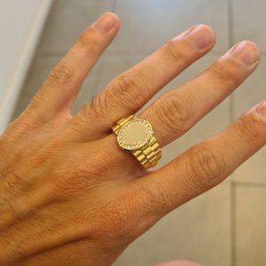 טבעת זהב לגבר משובצת זרקונים