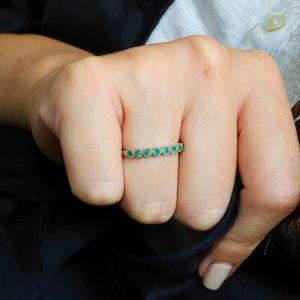 טבעת שורה אמרלדים